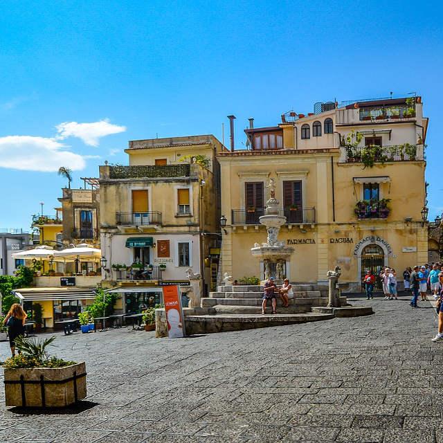 taormina- place - îles éoliennes - Sicile